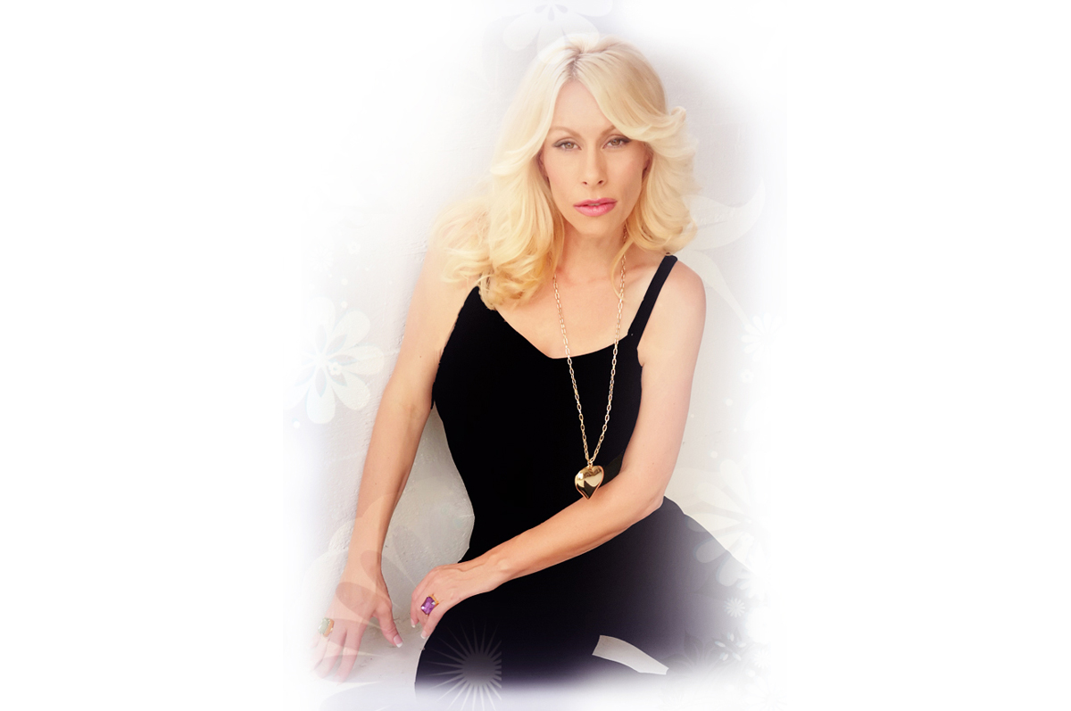 Sloan Bella Sexy Psychic Medium